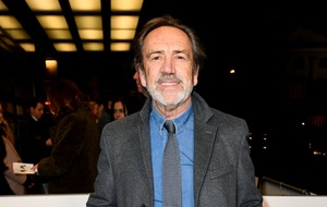 Robert Lindsay warns of 'terrible crisis' for theatre industry