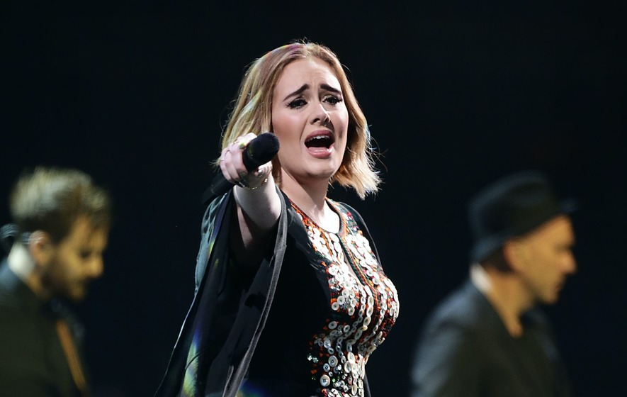 Adele models old dress after weight loss