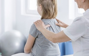 Ask the Expert: Could my child have scoliosis?