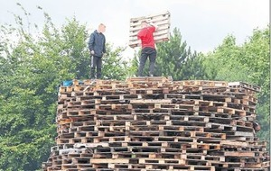 Missiles thrown as bonfire tensions rise