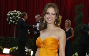 Russell Crowe, Alec Baldwin and Mariah Carey lead tributes to Kelly Preston