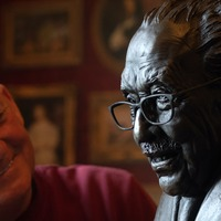 Sculpture of Captain Sir Tom Moore created to honour 'everyone's champion'