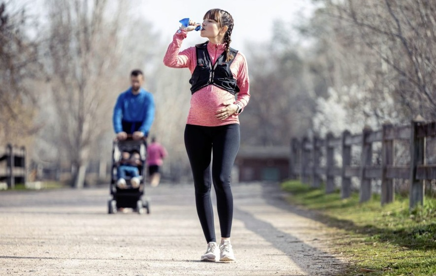 Is it OK to continue running while pregnant? Usually, as long as you're  sensible... - The Irish News