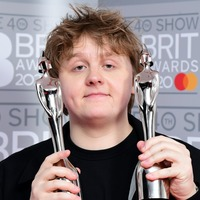 Lewis Capaldi to stage meet-and-greet with fans to raise cash for refugees