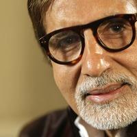 Bollywood star Amitabh Bachchan leaves hospital after coronavirus treatment