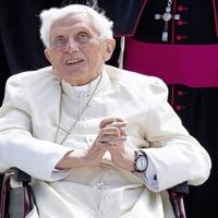 Pope Francis praises predecessor Benedict on 70th anniversary of ordination
