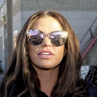 Katie Price did not have bunion surgery, ok?