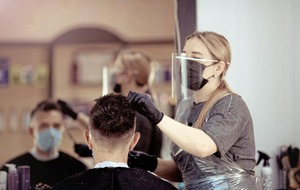 Face shield guidance for hairdressers needs to change, scientists say