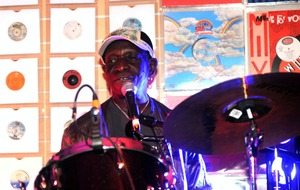 Damon Albarn gives musical tribute to late Afrobeat drummer Tony Allen