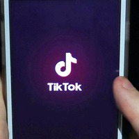 US bans WeChat and TikTok citing national security