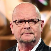 Celebrities and politicians send messages to James Whale after cancer diagnosis