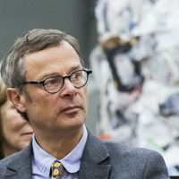 Hugh Fearnley-Whittingstall urges public to avoid single-use masks