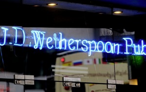 Wetherspoon to cut up to 450 staff across six airport pubs