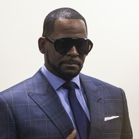 R Kelly attacked by another inmate behind bars, his lawyer says