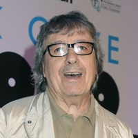Guitar used by ex-Rolling Stone Bill Wyman fetches record price at auction