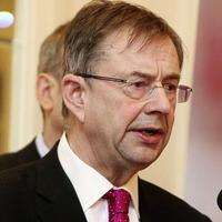 Former Fianna Fáil deputy leader Éamon Ó Cuív calls for new party leader