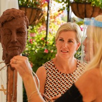 Sophie sits for sculpting session streamed live to support Vision Foundation