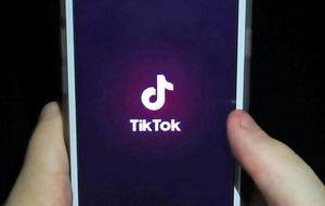 US bans WeChat and TikTok from app stores citing security risk