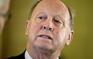 Jim Allister forced to apologise to Sinn Féin after Tyrone football gaffe
