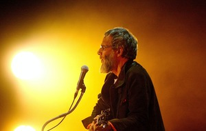 Yusuf/Cat Stevens 'cleverly framed' to look like he backed Rushdie fatwa
