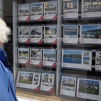 Average UK house prices break through £225,000 barrier for first time