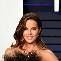 Kate Beckinsale discusses her miscarriage as she offers Chrissy Teigen support