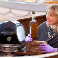 Museum acquires 80-year-old bottle of whisky from famous shipwreck