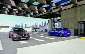 Plug-in hybrid heads updates to Megane range
