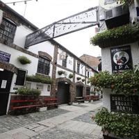 100 jobs under threat as iconic Duke of York bar set to stay shut