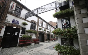 100 jobs under threat as iconic Duke of York bar set to stay shut