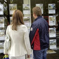 House prices up 3 per cent - but surveyors warn of tough winter