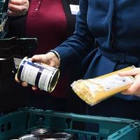 911 complaint about 'hazardous' foodbank lines prompts donations surge