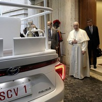 Hydrogen-powered popemobile makes it to the Vatican