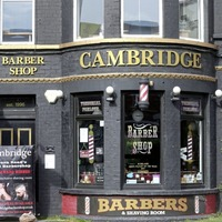 Hairdressers and barbers urge leaders to let them go back to work