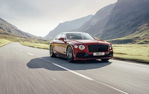 Bentley Flying Spur gains desirable V8 engine