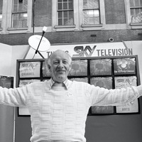 Gary Lineker leads tributes to 'brilliant TV presenter' Frank Bough