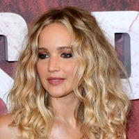 Jennifer Lawrence clarifies political stance after switching sides