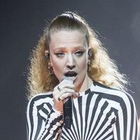 Jess Glynne kicks off star-studded weekend of virtual performances