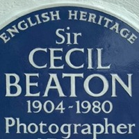 Blue plaque unveiled at Cecil Beaton's former home