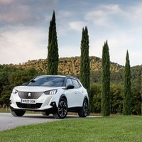 e-Motional: A smooth driving, hard-charging week with Peugeot's e-2008