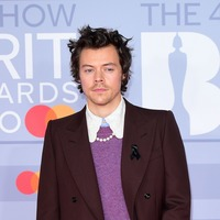 Harry Styles becomes first man to appear solo on Vogue cover