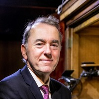 Organist Thomas Trotter named recipient of The Queen's Medal for Music
