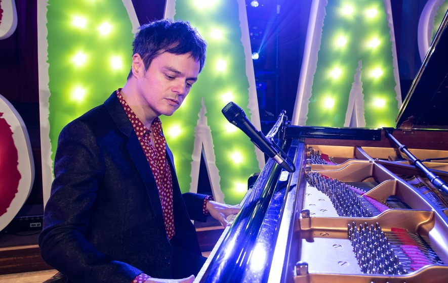 Jamie Cullum among stars taking part in Barnardo's Christmas concert - The Irish News