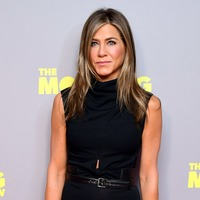 Jennifer Aniston sports face shield as she resumes filming on The Morning Show