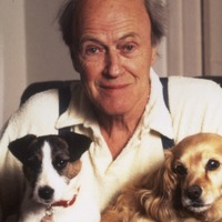 Roald Dahl family apologises for author's anti-Semitic comments
