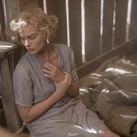 Margot Robbie's star power salvages so-so bank robber romance Dreamland
