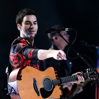 Kelly Jones says he had to relearn how to sing after having throat surgery