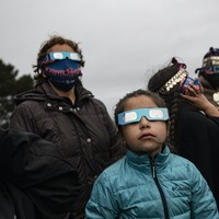 Total solar eclipse wows in Latin America