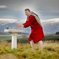 Charity hauls ceramic sink up Campsie Fells to highlight water poverty
