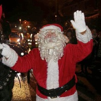 Santa laughs off a 'minor hiccup' on festive tour of west Belfast after sleigh stopped by police